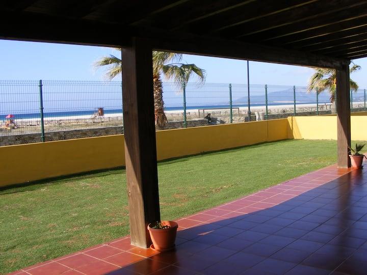 Front line beach apartament with open terrace