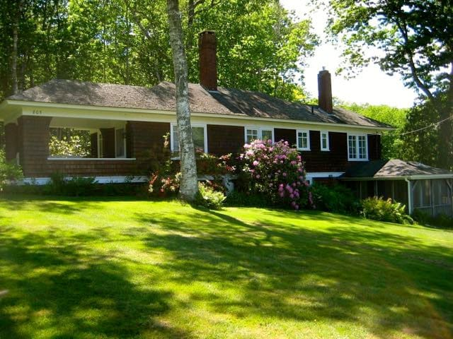 Charming Arts and Crafts Cottage in Bayside! - Northport