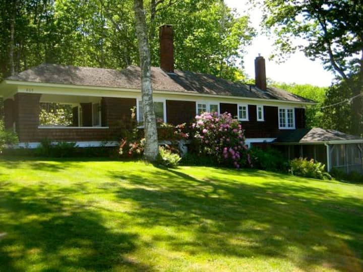 Charming Arts and Crafts Cottage in Bayside!