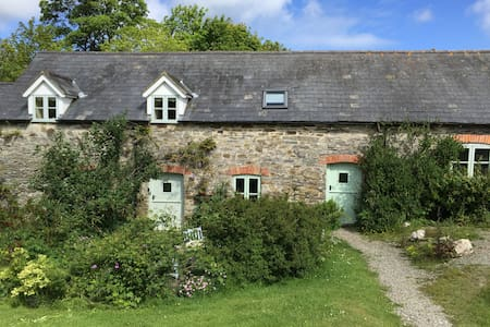 Stables Cottage - Near Aberporth - Blaenannerch - Hus
