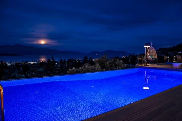 Luxurious stone built Villa Kastro
