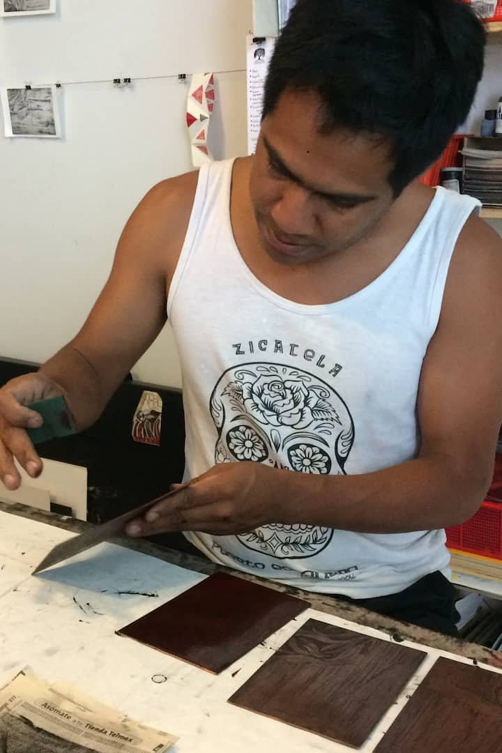 El artista Manuel González.