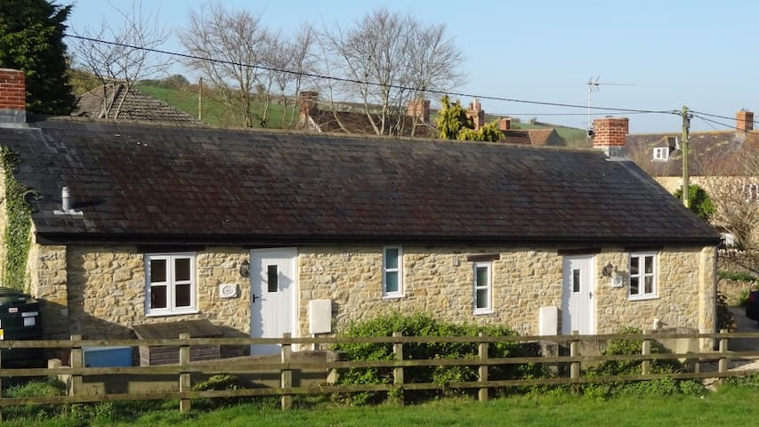 The Willows,  Cosy Dorset Cottage for 2/1 people.