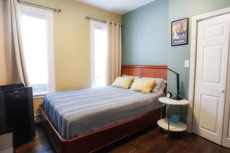 Elegant & Clean Room close to Subway and Downtown