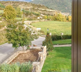 Casa preciosa típica del Pirineo - Talo