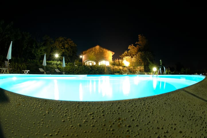 MONFERRATO Splendida tophill Country House - Quargnento - Villa