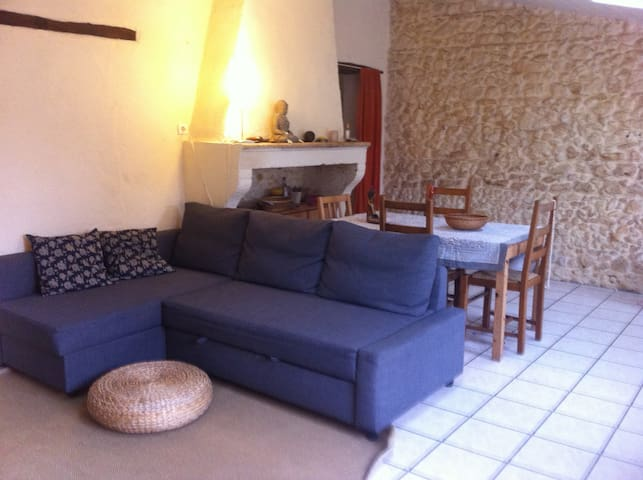 Petite maison médocaine  au coeur du village. - Castelnau-de-Médoc - Hus