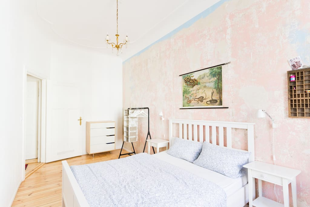 Apartment in Kreuzkölln near metro