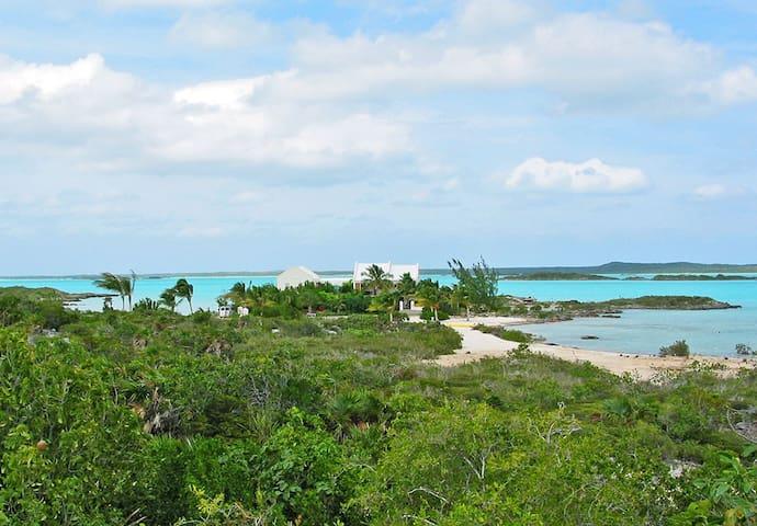 WhipSpray Villa - 2 private beaches 6 private lots - Providenciales - Villa