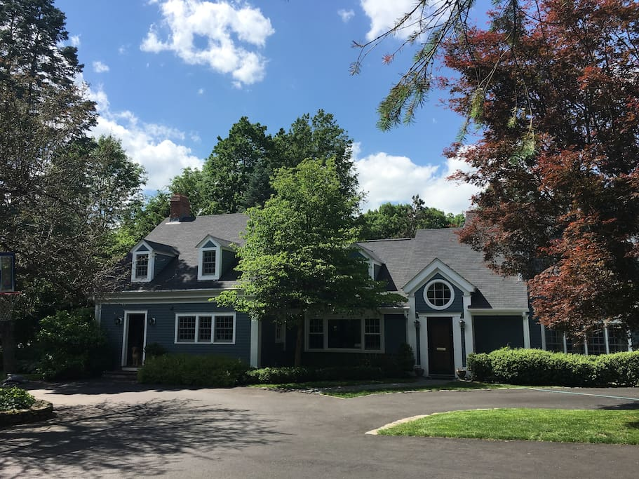 Renovated Country Home Near Boston Houses For Rent In Brookline Massachuse