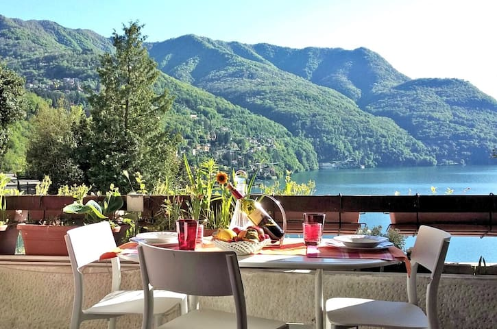 View+parking+lift: enjoy Como lake! - Pognana Lario - Appartement