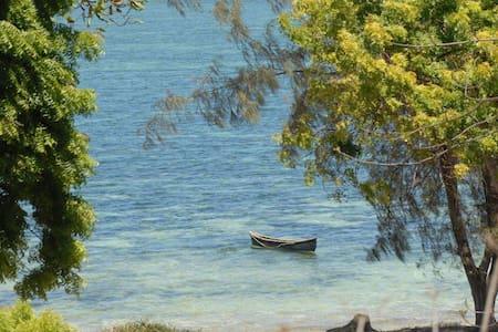 Private seaside villa with direct beach access - Kilifi County - วิลล่า