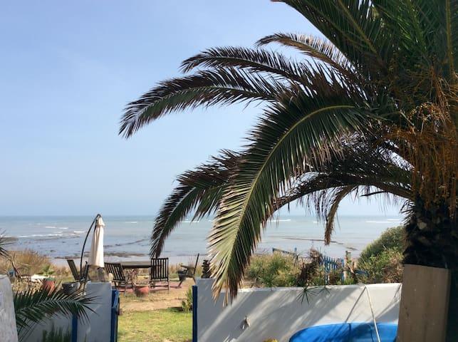 Sous-sol de maison sur plage - Tamaris - Bungalow