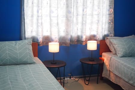 ❤️Safe, clean twin room ❤️ True Blue Guest Home