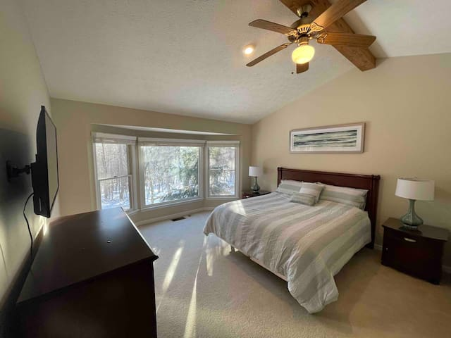 Master Bedroom with Master Bath and Roku TV/Hulu Subscription.