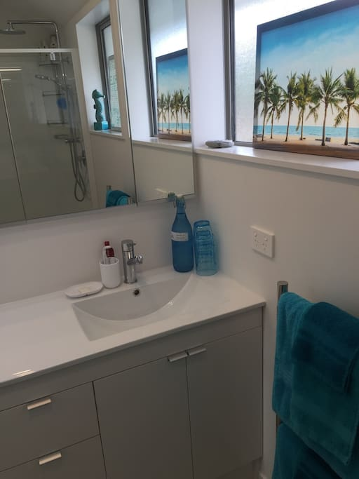Private use of the guest bathroom for you and your party. Towels are provided. Plus eco shampoo and shower gel.