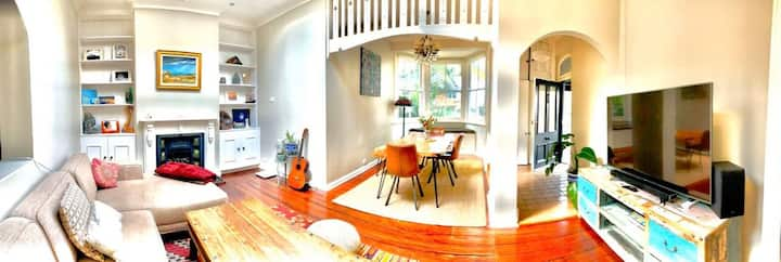 Quite room in Heart of Manly