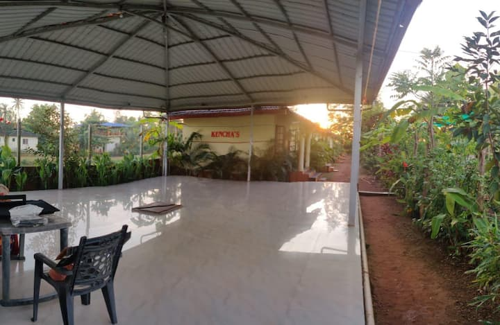 Beach View Cottages ( Kencha's)