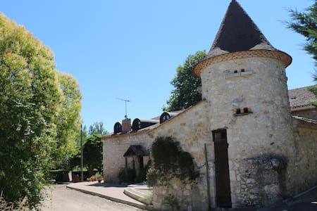 L'Escapade - Chambres D'Hotes - St foy la grande - Casa de hóspedes