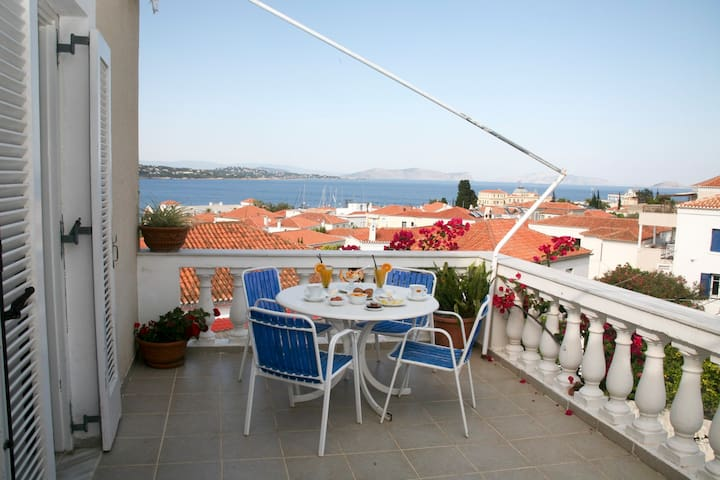 """""""Ostrella"""" vacations with sea view"""