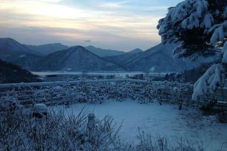 RiverView:북한강 보며 조용히 쉴 수 있는 전원주택 객실 - Joan-myeon, Namyangju-si
