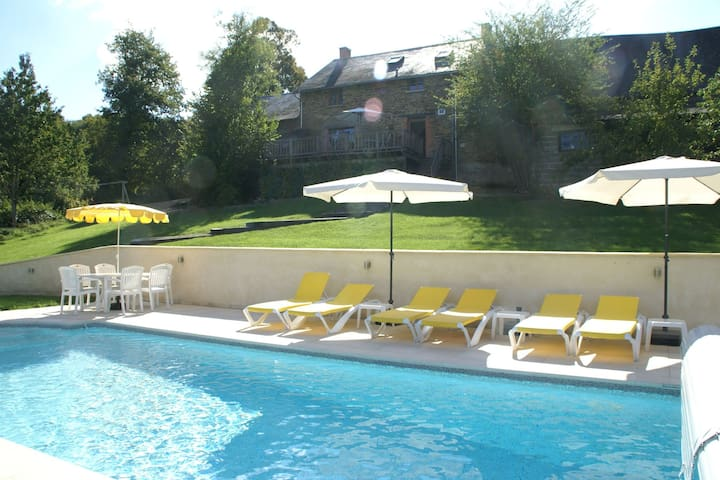 Spacious Holiday Home in Sussac with Pool