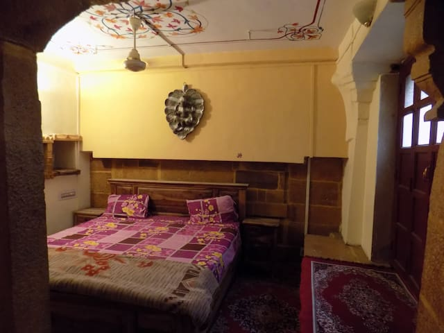 deep mahal boutique hotel and real camel safari