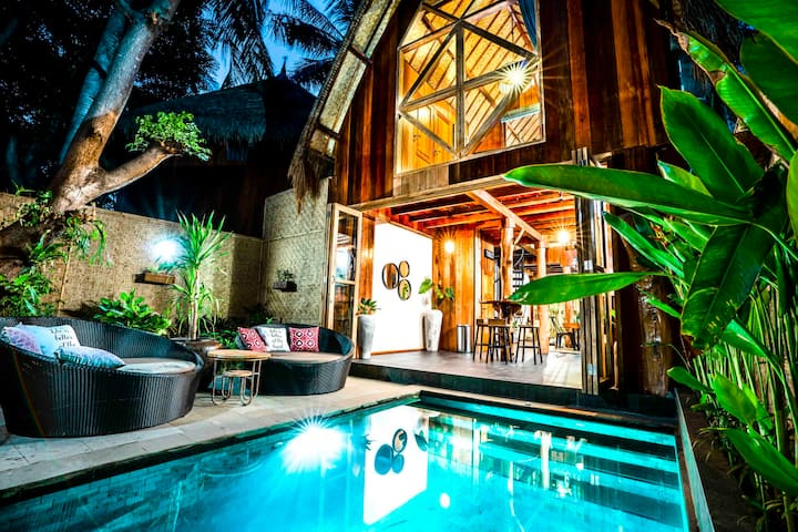 Gili loft traditional villa with modern standart