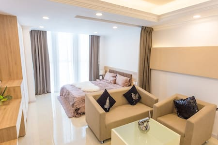 New CA&SA Serviced Apartment for Day Rent - Lejlighed