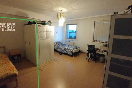 very central room near subway ans tram stations - Vienne - Appartement