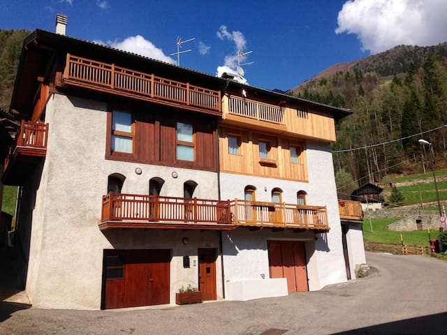 Baita vacanze in Val di Rabbi - Pracorno - Appartement