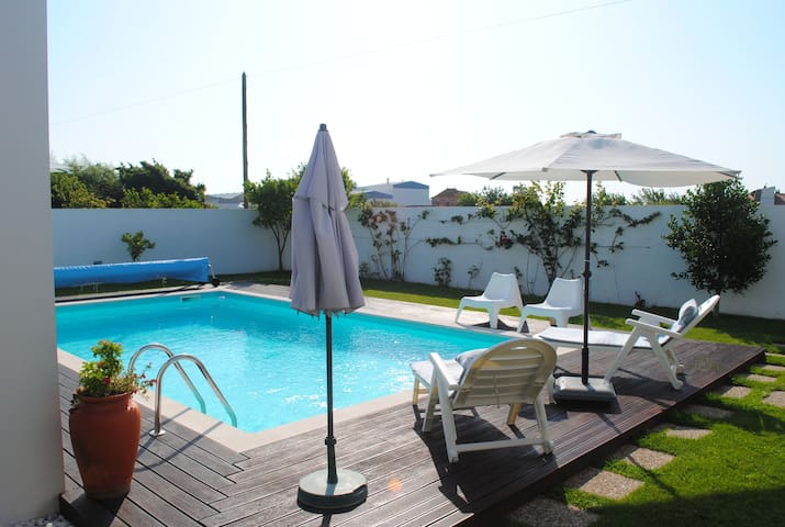 Vacation studio in villa with pool - Bom Sucesso - 別荘