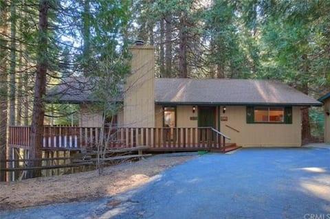 South Gate Yosemite Cabin