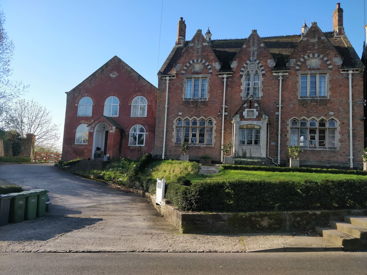 The Old School House was built in 1861, and was the village school for 100 years.  It has recently been lovingly converted into a very large and comfortable family home on the edge of the village of Berkeley, overlooking the open countryside.