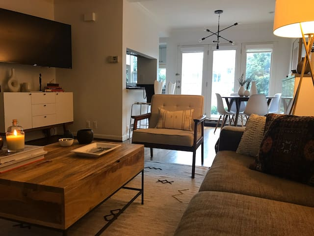 Modern condo in the heart of downtown Birmingham!