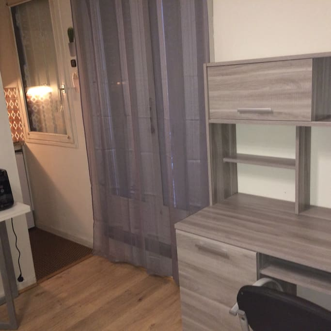 petit studio calme hypercentre indepdt 2mn tramway appartements louer clermont ferrand. Black Bedroom Furniture Sets. Home Design Ideas
