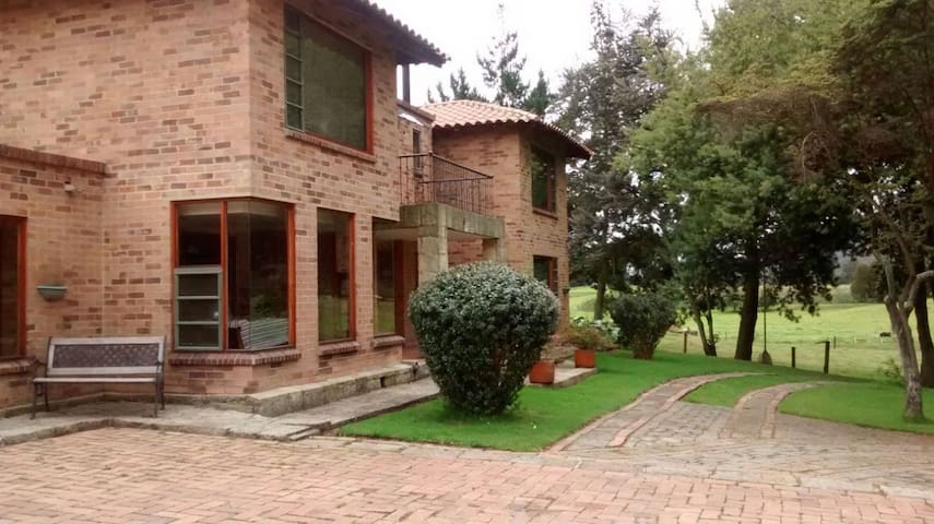 Enjoy Peace, Green and Comfort! - Bogota  - Dom
