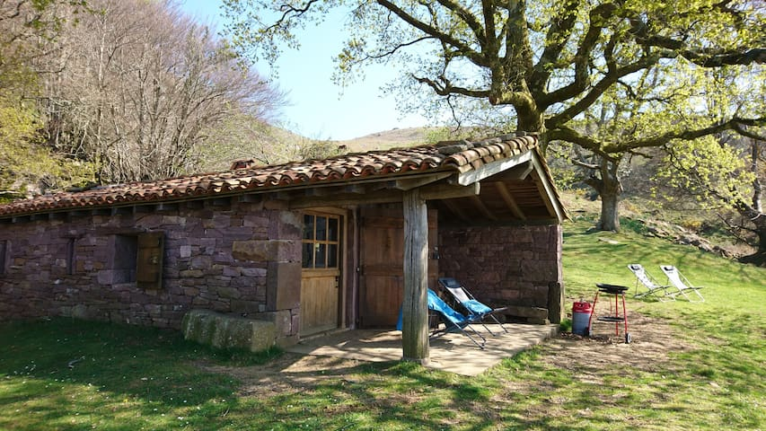 Bergerie de montagne Sare Pays Basque proche océan