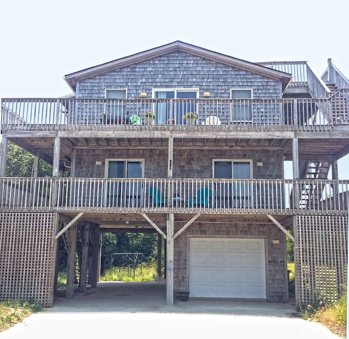 Outer Banks Style Home!
