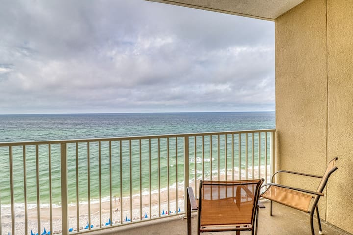 Gulf front Grandview East condo w/ an incredible view off the private balcony
