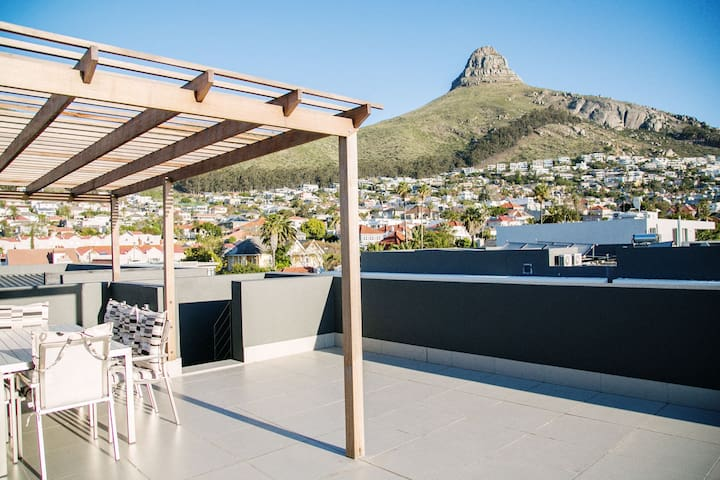 Beautiful Penthouse with a rooftop. - Cape Town