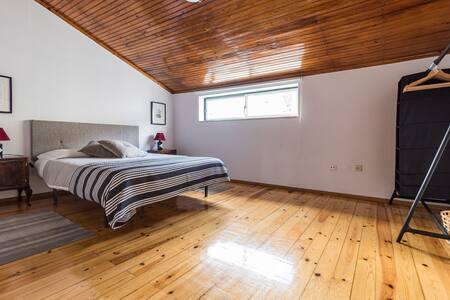 Rustic Apartment Up to 8 - Lisboa