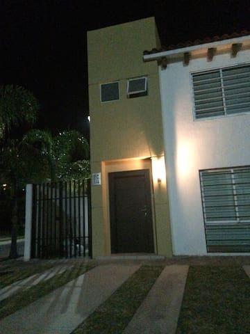 Hermosa Casa en comunidad privada - San Agustín - Casa