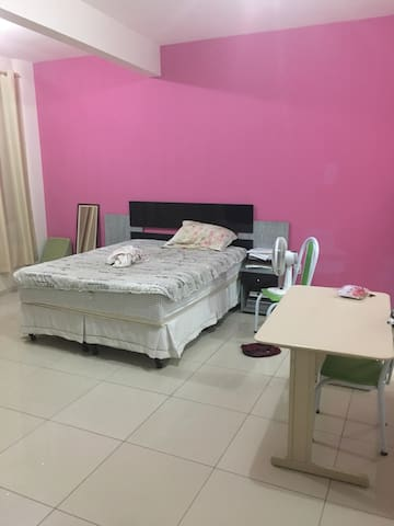 Confortável quarto em poranga