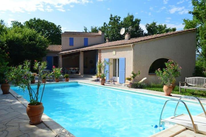 Villa provençale pour 10+ piscine - Pierrevert - บ้าน