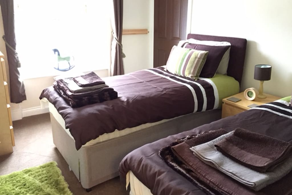 Bedroom 2 - set up with Twin Beds or can also be a Double (Super-king sized Bed)