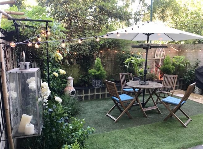 Large double in Clapham Common with garden