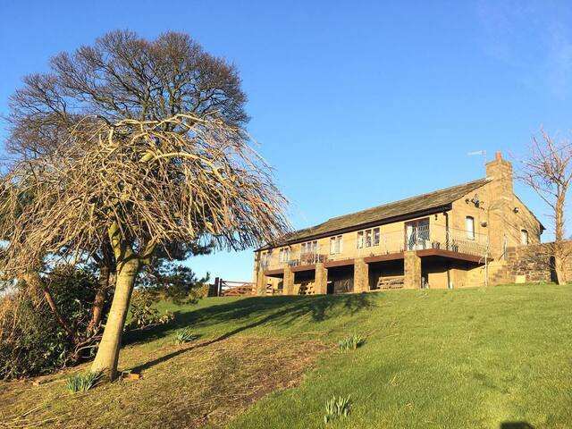 Detached house close to Haworth & Yorkshire Dales - Keighley