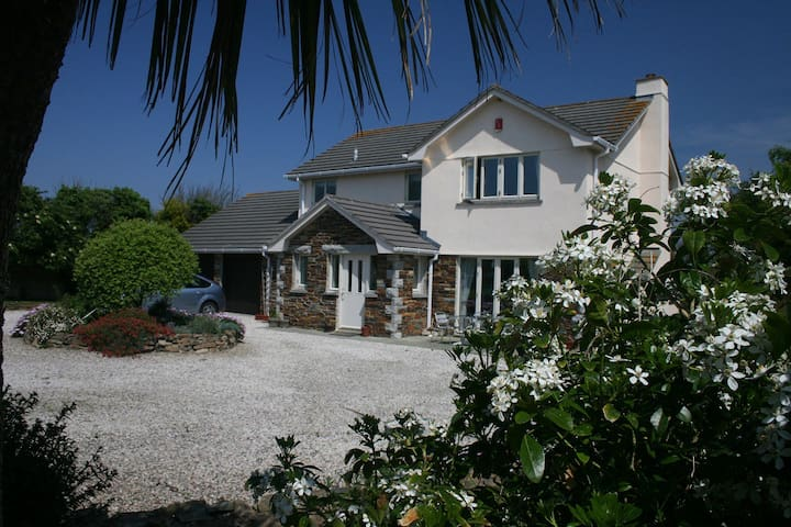 Detached 4Bed house in large garden - Saint Merryn - House