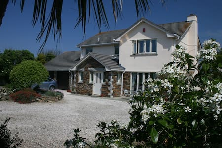 Detached 4Bed house in large garden - Saint Merryn - Haus